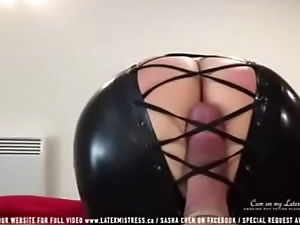 Sombre latex mistress tease cock - 424cams.net