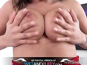 Wetandpuffy - Chanel Lux - Puffy Vagina