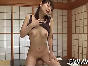 Fascinating japanese sweetheart gives electrifying oral-sex