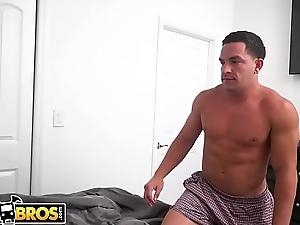 BANGBROS - Jock Peter Green Puts His Meaty Dick Inside Princess Yummy'_s Hairy Snatch