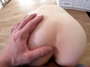 Lucky Suppliant Fucks Hot Avery Moon