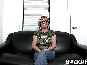 Lusty vixen welcomes a young interviewer to exhaust her twat