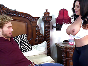 Brazzers HD: Fucked In A Breeze yon Sheridan Love -2