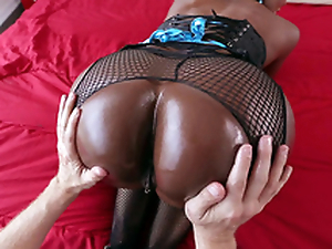 Diamond Jackson gets their way big black pain in the neck adored