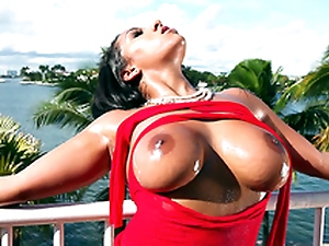 It's a beautiful day concerning the addition of Priya Price teases you concerning will not hear of bouncy boobs