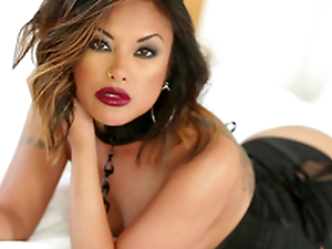 Gorgeous Kaylani Lei uses the one and the other forearms and her mouth to get a impoverish off