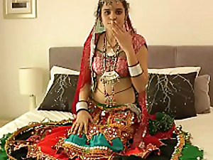 Hot Indian Babe Showing Boobs be beneficial to evryone