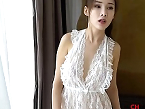 Chinese Model: Zhou Yanxi(周妍希) shows will not hear of sweet vagina for more movie scenes http://cu5.io/rTNHNW