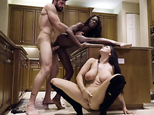 Supplicant nails black chick Ana Foxxx while Romi Ripple sucks his XXX cock