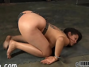 Serf acquires her beaver punished from lusty popsy