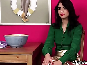 Feisty doll gets jizz flow on her face eating all the cum