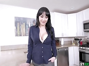 Welcome My Stepson Is A Full Time Job apart from PervMom featuring Allesandra Snow, Jay Shake
