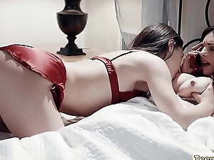 Abella fucks Mindis pussy with her sex toy