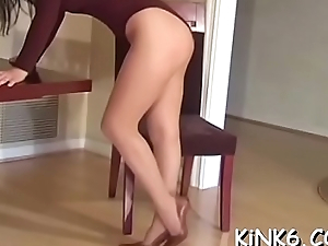 Two honeys compare their hot pussies in damn pretty tights