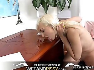 Wetandpissy - Pussy pissing of beauteous Lola Shine who soaks herself here pee
