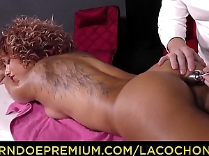 LA COCHONNE - French curly babe ass and pussy fucked